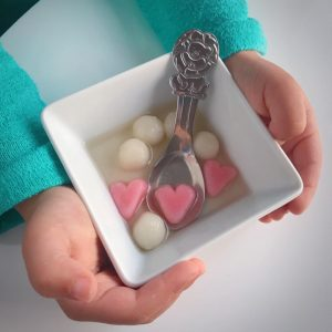 round and heart shaped tang yuan 愛心湯 圓